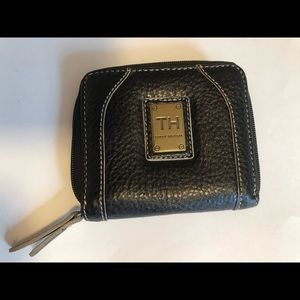 Tommy Hilfiger black leather zippered wallet. GUC